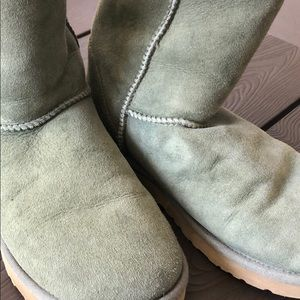 UGG Shoes - Ugg classic short boots